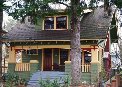 Daily bungalow portland or hawthorne neighborhood for Portland craftsman homes
