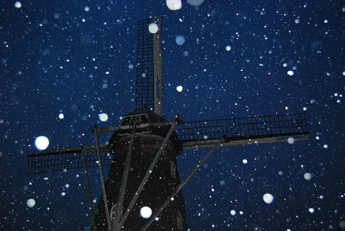 365:2010_041 Snowy Windmill | by seustace2003