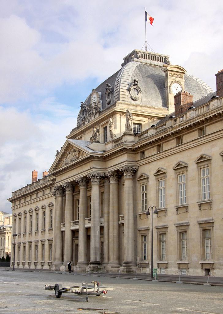 2009 12 25 paris l 39 ecole militaire guillaume baviere for Ecole decorateur interieur paris