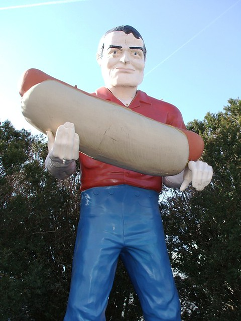 Atlanta, IL: Paul Bunyan and his Hot Dog | Atlanta, IL ...