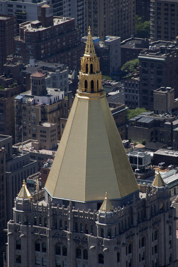 Gold Roof of The New York Life Building - Tony Hisgett ...