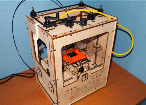 MakerBot | by luisazmouz