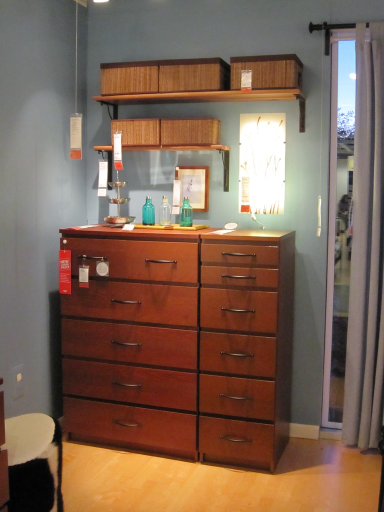 IKEA Malm Dresser I 39 ve been looking for a while for a dres Flickr. Ikea Malm Medium Brown Dresser