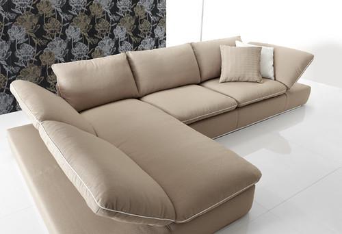 Divano bonton ad angolo divano bonton ad angolo nella for Rivestire divano ad angolo
