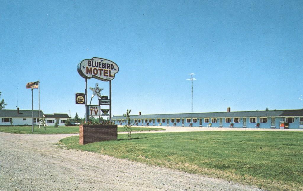 The Bluebird Motel - Machias, Maine