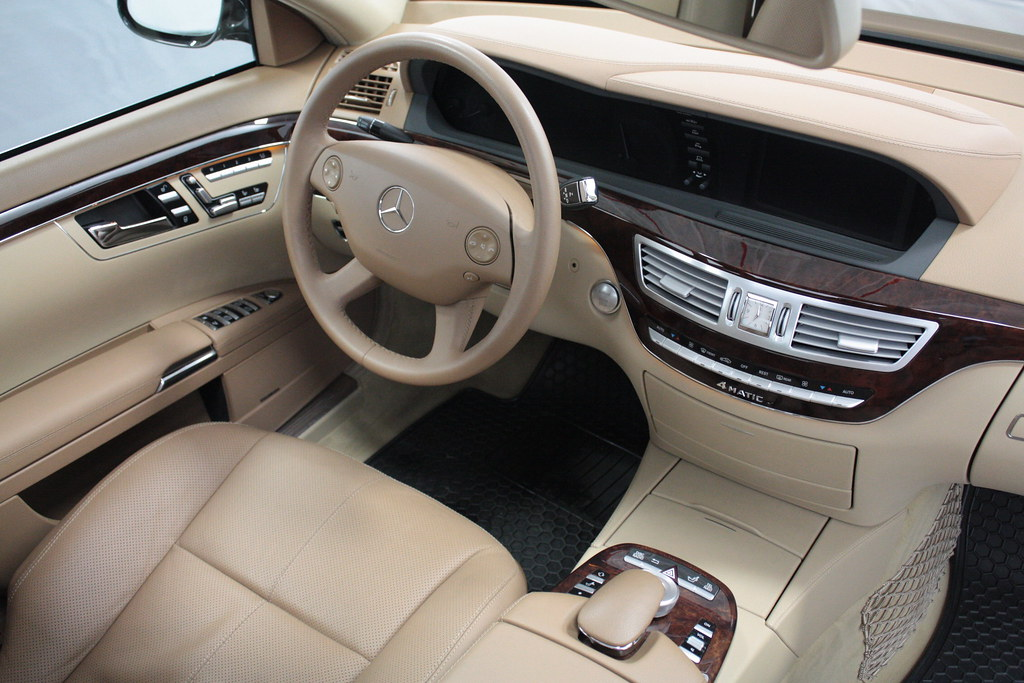 black mercedes benz s550 interior cockpit black 2009 merce flickr. Black Bedroom Furniture Sets. Home Design Ideas
