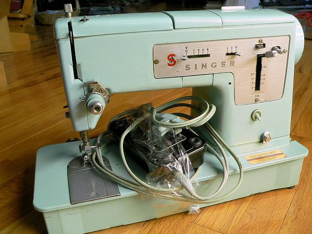 vintage singer 338 vintage singer 338 sewing machine that flickr. Black Bedroom Furniture Sets. Home Design Ideas