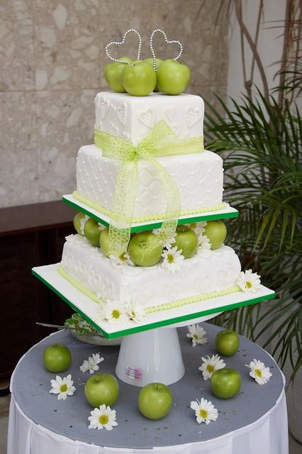 Green Apple Themed Wedding Cake