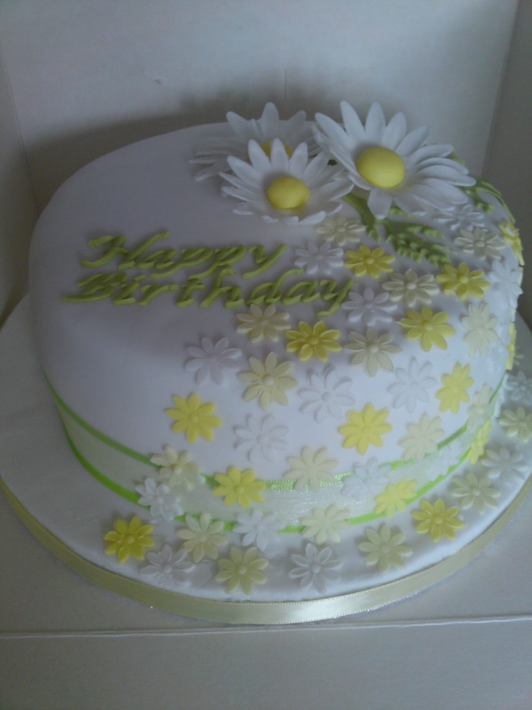 Daisy Birthday Cake Birthday Cake Decorated With Pretty Da Flickr
