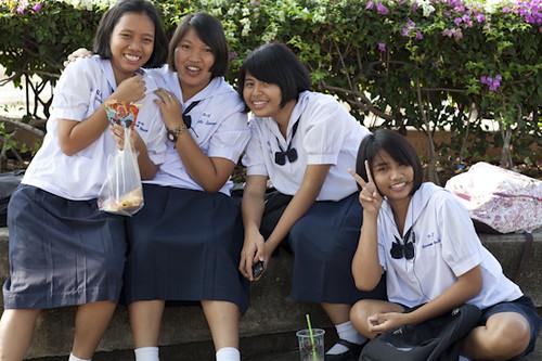 Thai Schoolgirls  Siebe   Flickr-2520