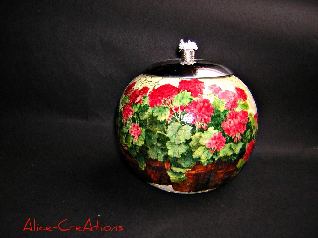 llampe geranium terrakotta llampe in decoupage technik flickr. Black Bedroom Furniture Sets. Home Design Ideas