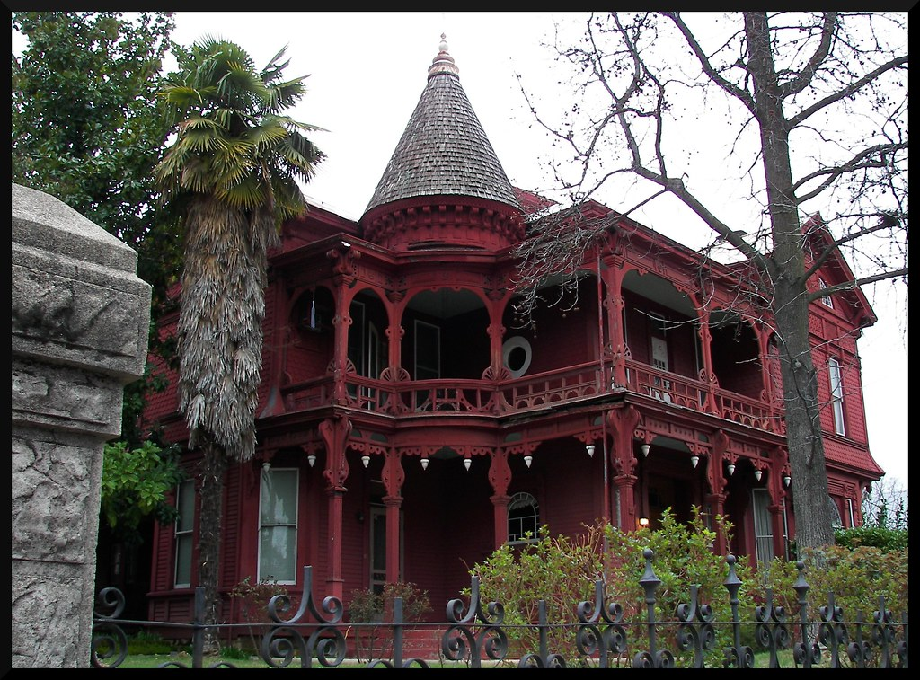 Spooky victorian in sonora a rather spooky looking but for Home architecture tumblr