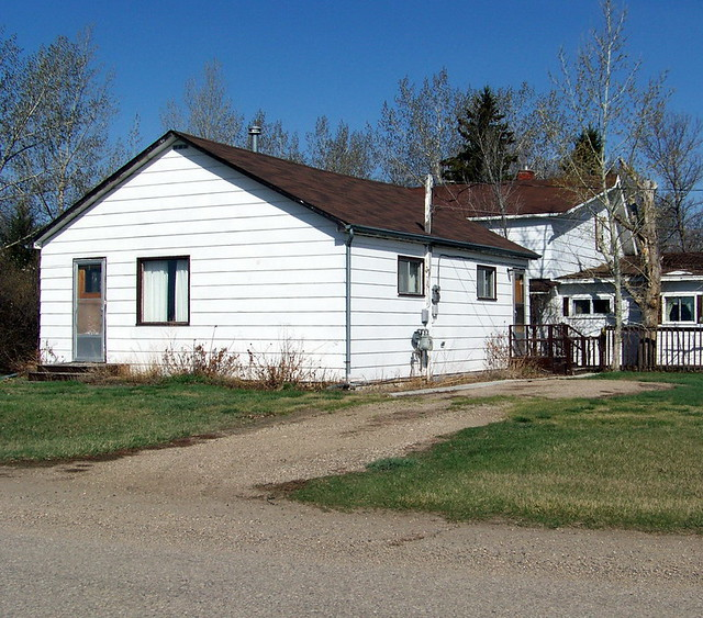 Sk10d115 cheap real estate dinsmore sk 2010 small house for The dinsmore house