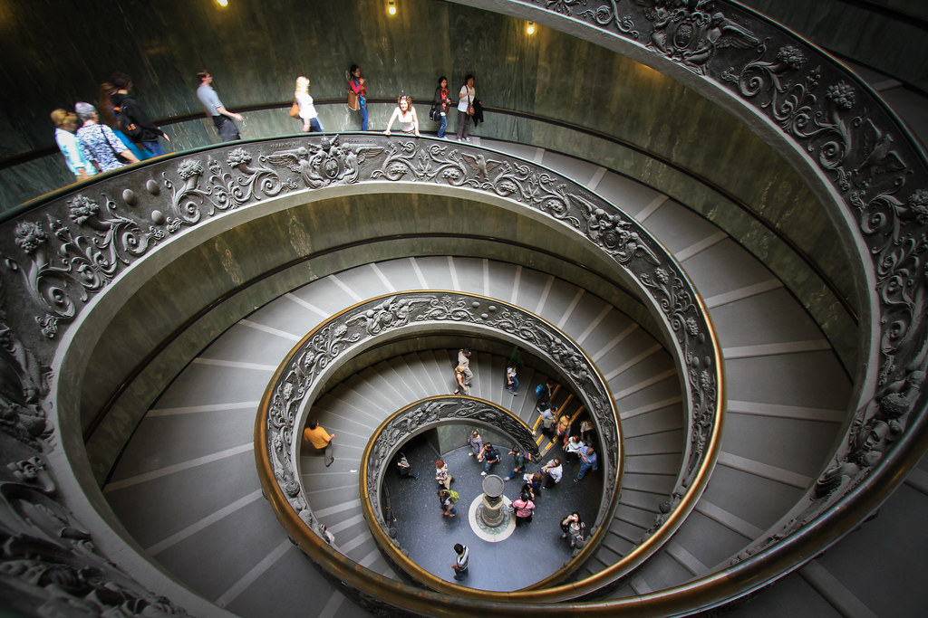 swirly stairs everyone that s visited the vatican museum p flickr