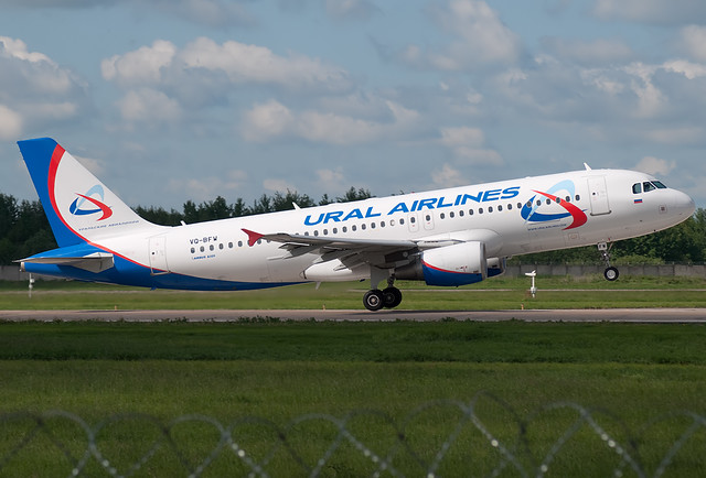 VQ-BFW Ural Airlines  Airbus A320-214