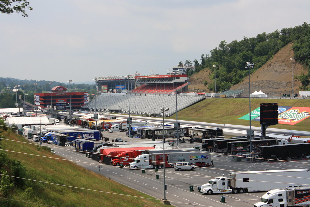 Wednesday In The Pits Bristol Motor Speedway Dragway