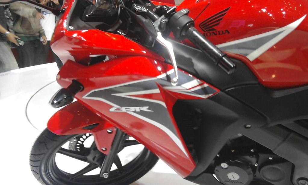 Honda Cbr 150 R Fairing All New Honda Cbr 150 R At Jakarta Flickr