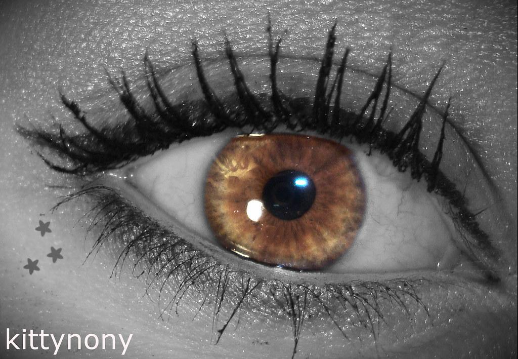 Eye makeup blue eyes brown hair