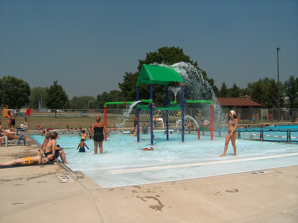 Veteran 39 S Municipal Pool Lasalle Il Swimming Pool Muni Flickr