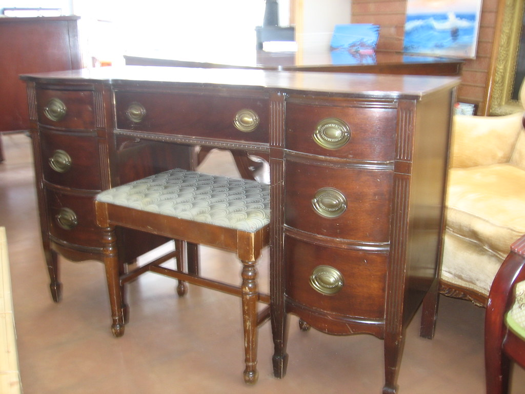 Vintage bench, with (SOLD) Hepplewhite style vanity   Flickr