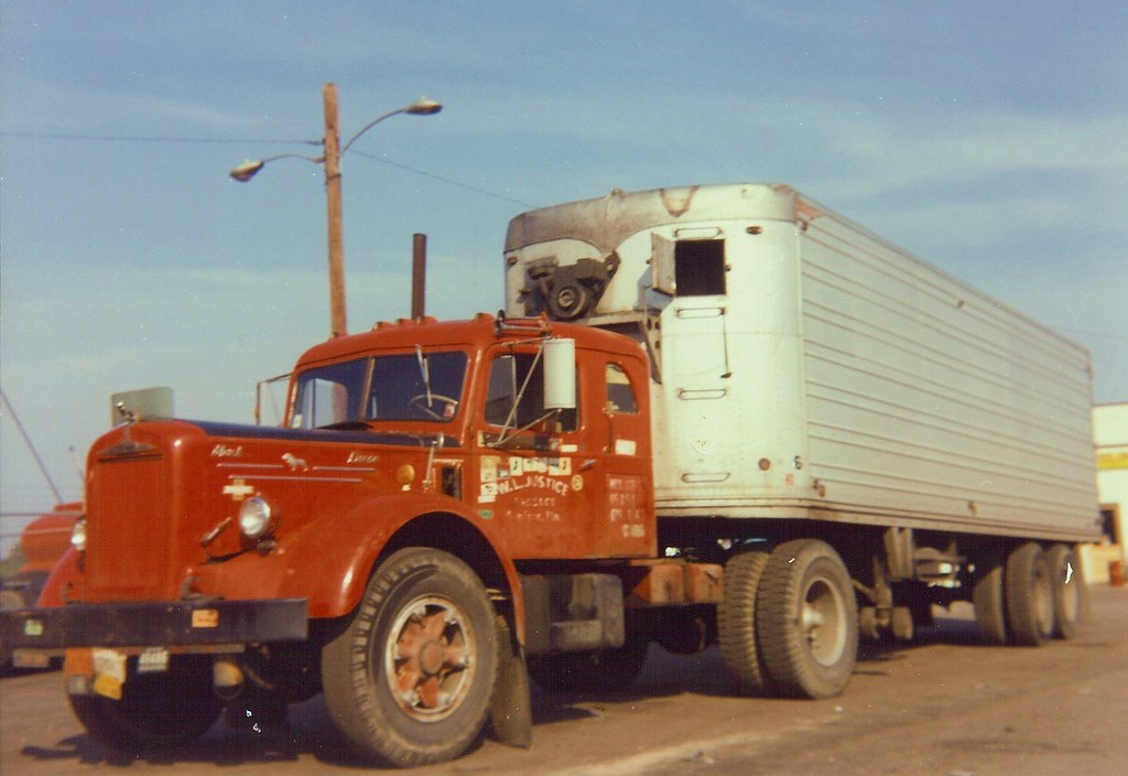 All About Trucks >> Mack LJ sleeper | Old time photo of Cummins powered Mack L