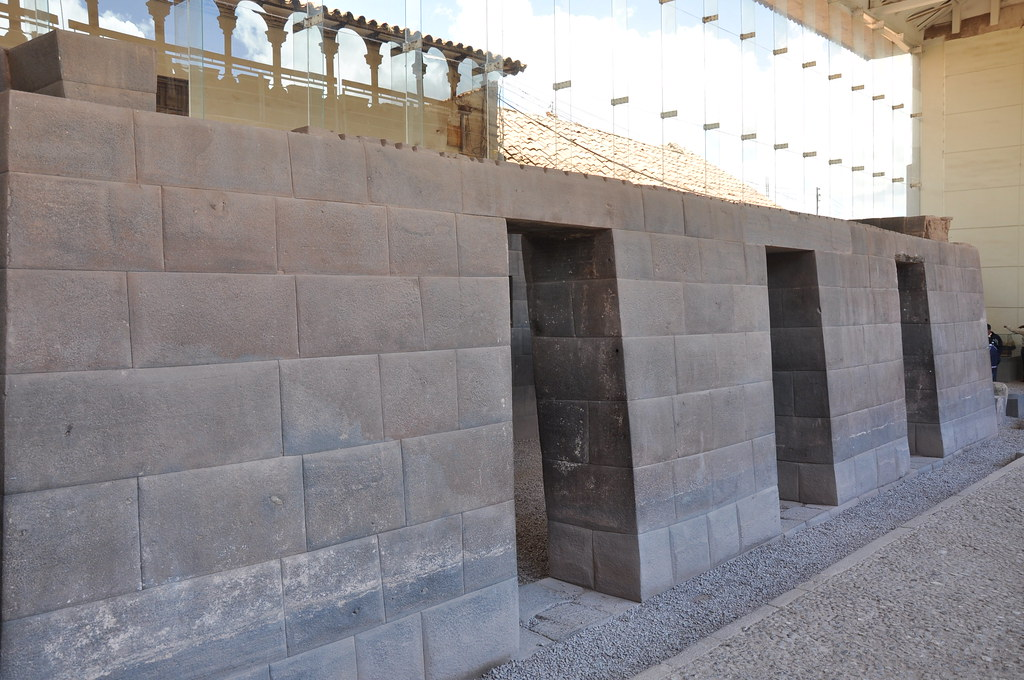 One Of The Original Walls Of The Temple Of Coricancha Cuz