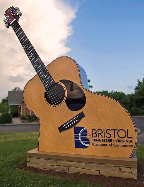Bristol Guitar In Bristol Tn Va Sunny Pickens Flickr
