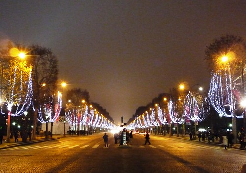 Down Champs-Elysees | by Victor O'