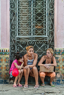3 generations waiting - Havana streets | by Phil Marion