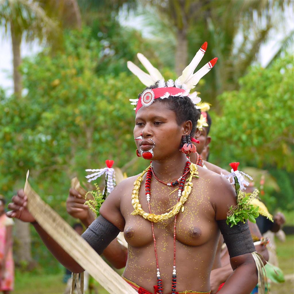 nude new guinea girls