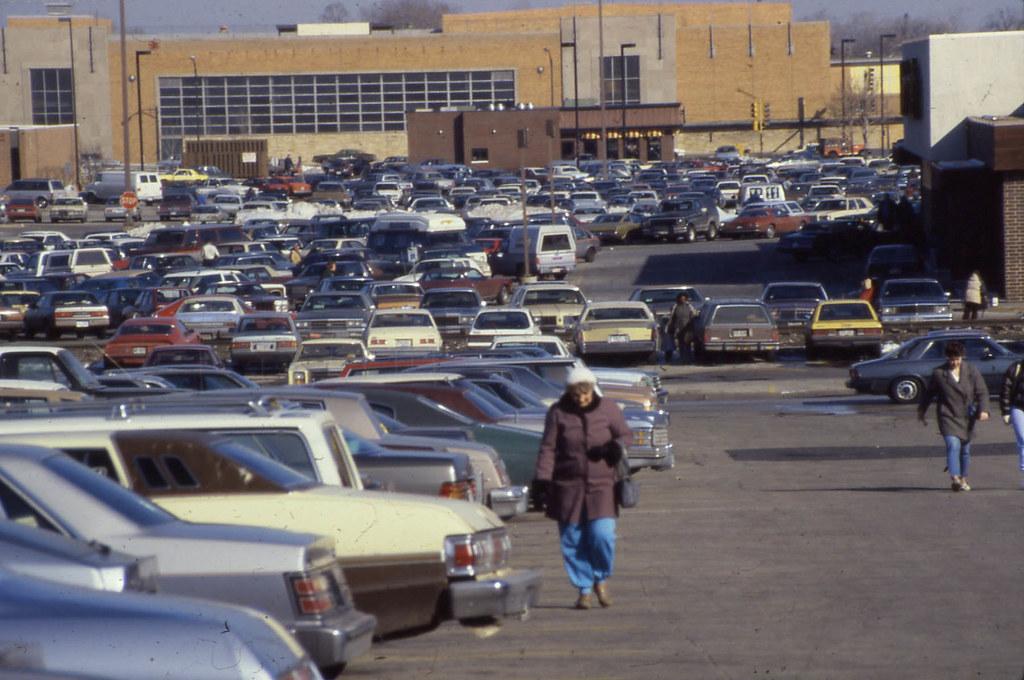 19860301 02 North Riverside Mall Parking Lot David Wilson Flickr