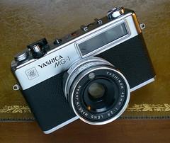 Yashica MG-1 - 1975