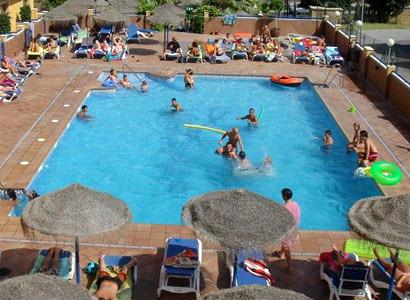 Suelos antideslizantes para piscinas pavitec for Suelos antideslizantes para piscinas