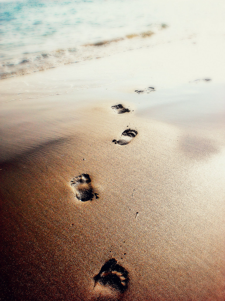 footprints in the sand. footprints in the sand by lmaekelley