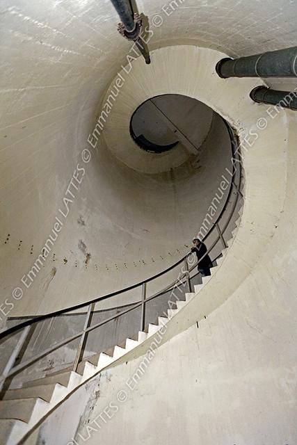 Escalier en colima on l 39 int rieur d 39 un ch teau d 39 eau ch for L interieur d un chateau d eau