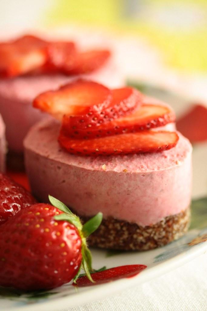 Raw Strawberry Cake Receipe Nut Free