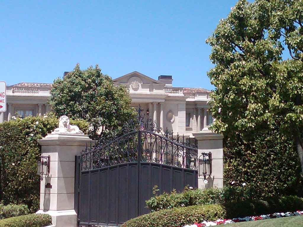 Stunning Holmby Hills Mansion On Mapleton Drive Holmby Hi