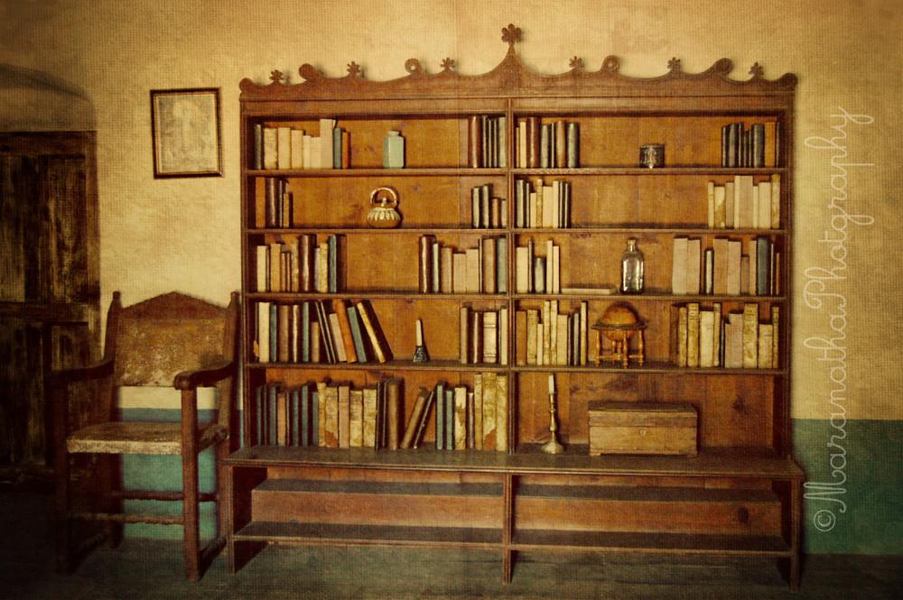 Vintage Bookshelf Mara May Flickr