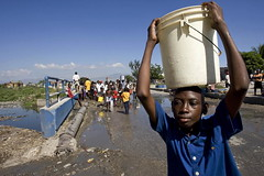 Haiti Quake Leaves Shanty Town Residents with Little Water | by United Nations Photo