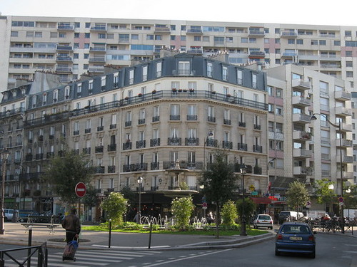 paris hausmanien et immeuble des ann es 70 dans les arro flickr. Black Bedroom Furniture Sets. Home Design Ideas