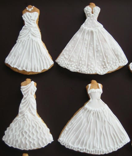 Wedding gowns 7 of 7 my spring 2010 wedding dress cookie for Design your wedding dress app