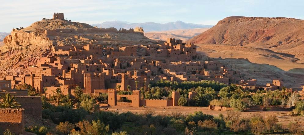 Le village d'Ait Ben Habbou vue des hauteurs de l'autre côté la rivière - Photo de WHL Travel