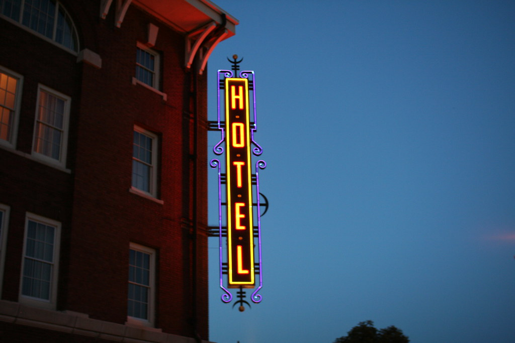 Hotel Vertical Neon Sign In Wichita No 2146