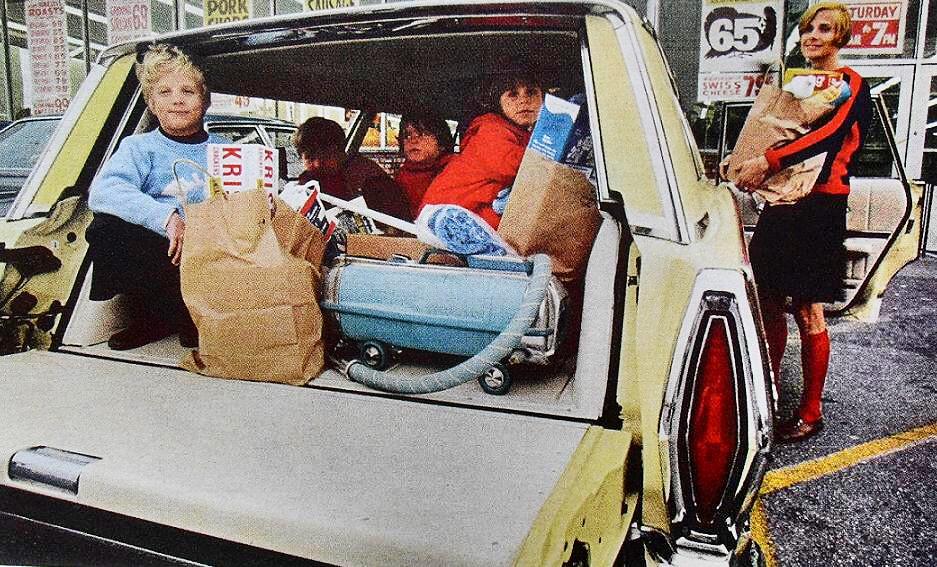 1960s Vintage Supermarket Photo Stationwagon Family Mother ...