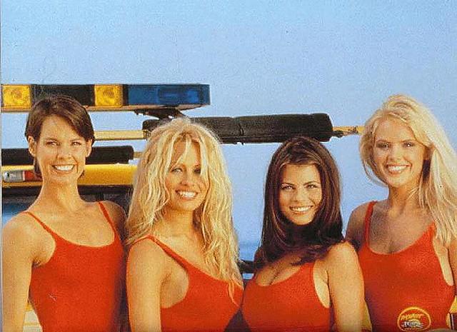 Los vigilantes de la playa parodia baywatch parody cumlouder - 4 1