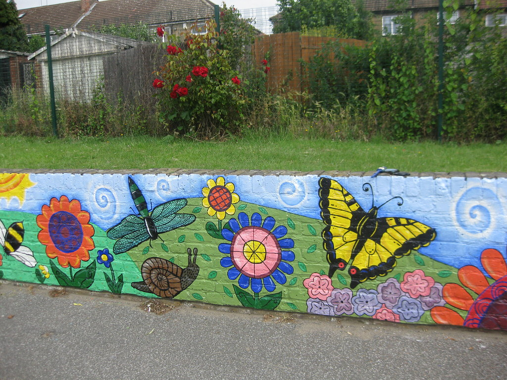 Nightingale primary school minibeast playground mural for Exterior wall mural ideas