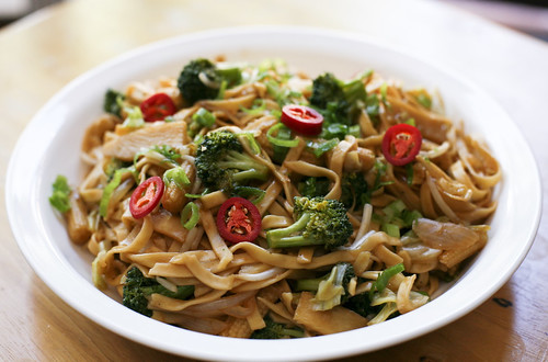 Vegetable Chow Mein | by wishmewell95