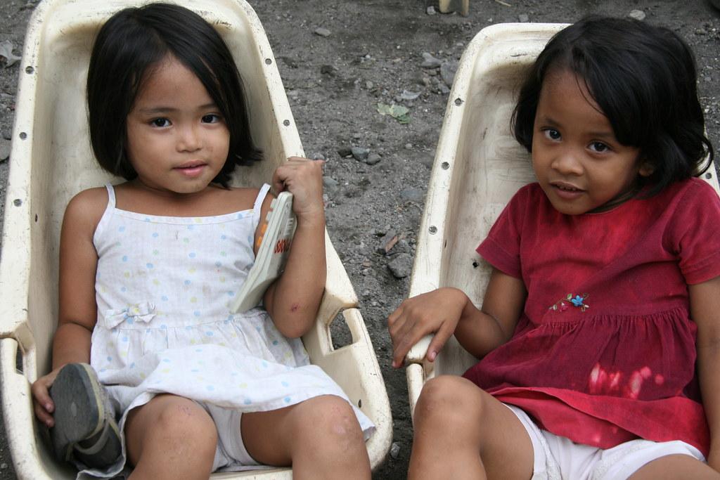 vietnamese slum girls - Bobs and Vagene
