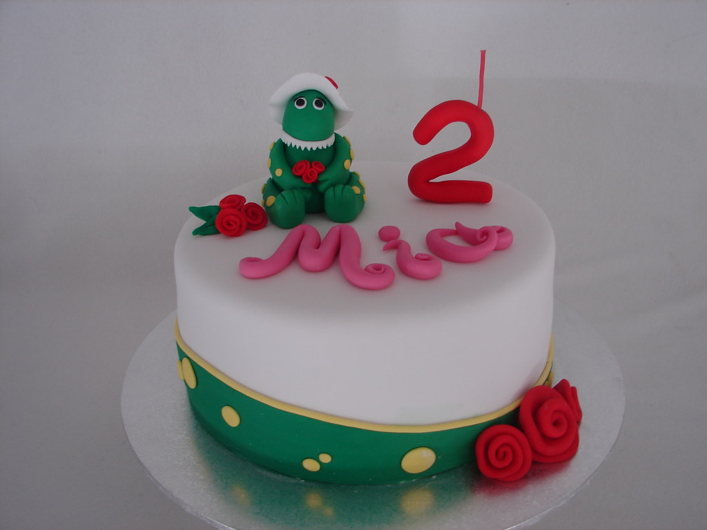 Dorothy the Dinosaur cake Minerva Reyes Flickr