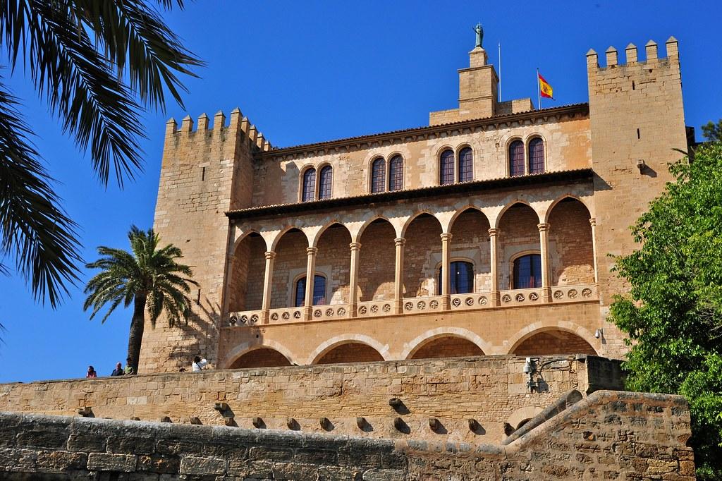 Palacio de la almudaina palma de mallorca henrik berger - Job today palma de mallorca ...